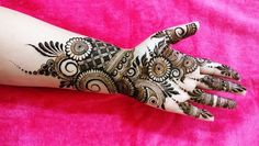 Best Mehndi Designs for Hands Fingers. You can easily make mehndi designs on your hands feet step by step. Basic Mehndi Designs, Latest Arabic Mehndi Designs, Legs Mehndi Design, Indian Mehndi Designs, Mehndi Designs 2018, Mehndi Designs For Beginners, Stylish Mehndi Designs, Mehndi Design Pictures, Beautiful Mehndi Design