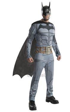 Batman: Arkham City. Moderni versio Batmanin tunnetusta haalarista on näyttävä naamiaisasu, jonka viitta ja päähine täydentävät. Voit loistaa yksinäisenä tähtenä tai yhdistää voimasi yhdessä ystäväsi kanssa ja Robin -naamiaisasun kanssa muodostatte taatusti teemajuhlien kovimman kaksikon.