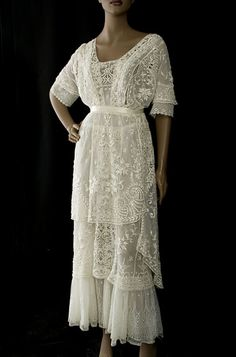 Edwardian clothing at Vintage Textile: lace tea dress dress Edwardian Clothing, Edwardian Dress, Antique Clothing, Edwardian Fashion, Vintage Fashion, Edwardian Style, Boho Fashion, Robes Vintage, Boho Vintage