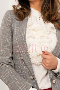 Sacou tip blazer office in carouri drept Blazer, Jackets, Women, Fashion, Down Jackets, Moda, Fashion Styles, Blazers, Fashion Illustrations