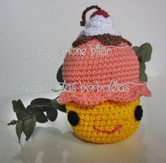<3 ♪ ♫  Agora eu fiquei DOCE, DOCE, DOCE, DOCE... ♪ ♫    :p  Cupcake Sapeca Amigurumi. Acabou de sair do forno. Vem saber mais: http://recantodasborboletas-simoninha.blogspot.com.br/