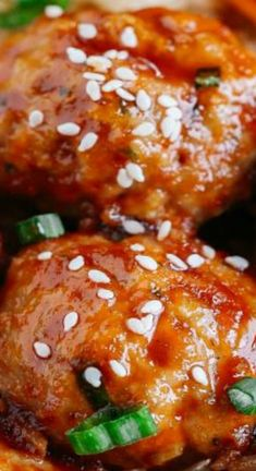 Honey Sriracha Glazed Meatballs - Eat Yourself Skinny All You Need Is, Clean Eating Snacks, Healthy Eating, Eat Yourself Skinny, Cooking Recipes, Healthy Recipes, Advocare Recipes, Meal Prep For The Week, Asian