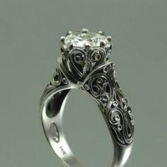 Vintage ring Love the carving design