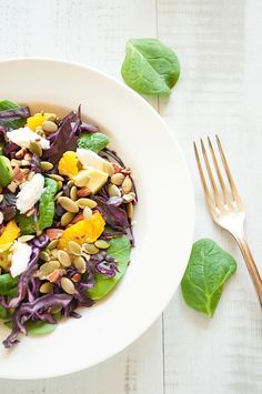 Cabbage, spinach and avocado salad
