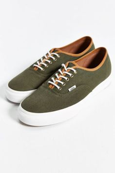 Vans Authentic Leather Trim Men's Sneaker