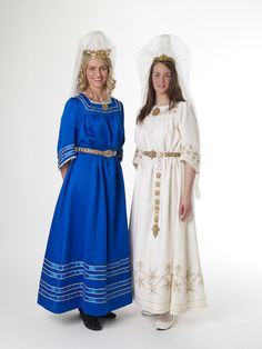 Icelandic dress color