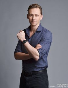 #TomHiddleston by John Shearer at the #ISawTheLight press day on Oct. 17, 2015 in Nashville, Tennessee. Torrilla的微博_微博