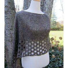 Crochet Shawl Kelley's Ponchito - free crochet poncho pattern by Julie Blagojevich. Crochet Shawls And Wraps, Crochet Scarves, Crochet Clothes, Crochet Sweaters, Knitted Shawls, Pull Crochet, Double Crochet, Knit Crochet, Crochet Shrugs