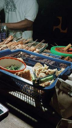 Indonesian Food, Aesthetic Food, Beverage, Foodies, Food And Drink, Vans, Yummy Food, Mood, Random