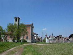 Bascapé, in provincia di Pavia, forse noto al grande pubblico solo per la vicenda che coinvolse Enrico Mattei.