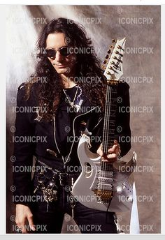 STEVE VAI - photosession in Hollywood CA USA - 1990 Steve Vai, David Lee, Ca Usa, Alternative Music, Ibanez, Cool Guitar, In Hollywood, Hard Rock, Guitars