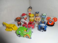 PAW-PATROL-CAKE-TOPPERS-12-PLASTIC-FIGURES-AND-FREE-GIFT-BN-FREE-P-P