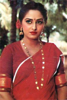 Very Beautiful Woman, Beautiful Girl Indian, Most Beautiful Indian Actress, Rekha Actress, Old Actress, Beautiful Bollywood Actress, Beautiful Actresses, Indian Actress Gallery, Indian Natural Beauty