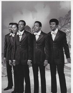 The Temptations Otis Williams, Melvin Franklin, Eddie Kendricks, Paul Williams, and Dennis Edwards