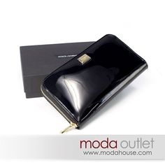 New Arrival DOLCE & GABBANA WALLET, AED 1,950 at Moda Outlet. www.modahouse.com #dolcegabbana #dolcegabbanauae #dolcegabbanawallet #dolcegabbanadubai #dolceandgabbanafashion #wallet #leather #leatherwallet #fashion #fashionstore #UAE #uaefashion #uaefashionstore #dubai #dubaifashion #dubaifashionstore #dxb #دبي #الامارات #modahouse #modaoutlet