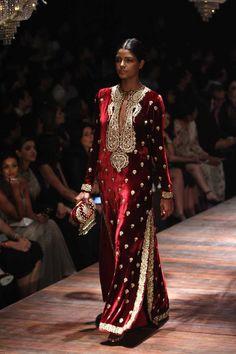 Sabyasachi at Lakmé Fashion Week Winter/Festive- 2016 Pakistani Dresses, Indian Dresses, Indian Outfits, Fashion Week 2016, Lakme Fashion Week, Ethnic Fashion, Asian Fashion, Stylish Dresses, Fashion Dresses