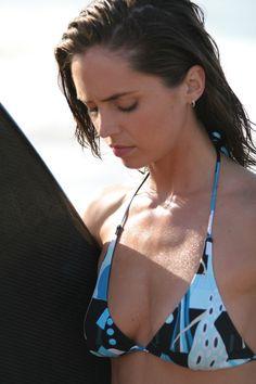 Eliza Dushku  high resolution image - MovieHotties