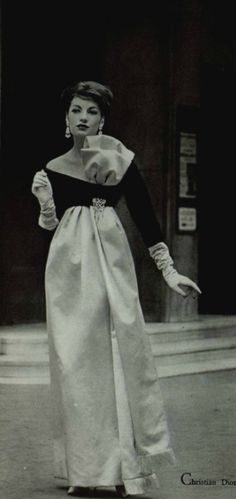 3b14585d8cc 1958 - Yves Saint Laurent for Christian Dior evening gown Robes Vintage