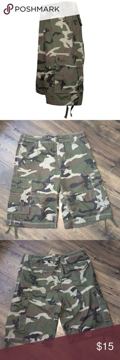 9093e3b8fc Mens Champs sports gear urban cargo camo shorts -NWOT -Cargo Pockets  -Drawcord at