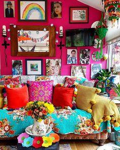 905 Likes, 17 Comments - Bohemian Interior, Bohemian Decor, Room Colors, House Colors, Hippie House, Boho Chic Living Room, Hippy Room, Family House Plans, Creative Decor