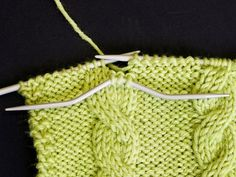 Palmikkoneule, vasemmalle kiertyvä palmiko Blanket, Knitting, Crochet, Hacks, Create, Diy, Tricot, Bricolage, Breien