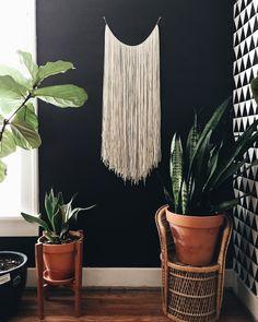 DIY yarn wall hanging | Hey Wanderer