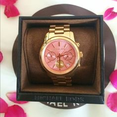 Pink Michael Kors Watch Brand new with tags Pink Michael Kors Watch. The watch is completely beautiful and is in perfect condition with no stains or scratches. Box and mini manual included.                                                                    100% Authentic                                              BNWT                                                               ❌NO TRADES❌ Michael Kors Jewelry