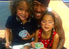 Prayers Up: Nick Cannon Hospitalized, But Mariah's Keeping The Kids Uplifted Posted On : December 23, 2016