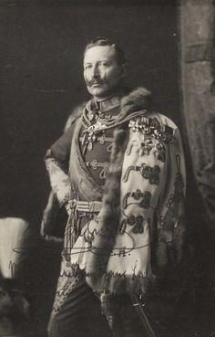 L'ancienne cour - Kaiser Wilhelm II of Germany Wilhelm Ii, Kaiser Wilhelm, Ww1 History, European History, Victoria Reign, Queen Victoria, German Royal Family, Germany And Prussia, King Of Prussia