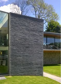Welsh Slate Walling and Cladding Stone Cladding Exterior, Cladding Design, House Cladding, Faux Stone Walls, White Brick Walls, External Wall Cladding, Wall Color Combination, House Extension Design, Stone Masonry