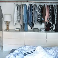 So integrierst das Stauraumwunder! :Kleiderschrank: So integrierst das Stauraumwunder! : Hang up to 120 garments in these stacked Microclosets that use very little space. Great for dorms or any small space living. 3 Beds In One Ikea Diy Furniture Plans, Furniture Makeover, Furniture Refinishing, Metal Furniture, Paint Furniture, Repurposed Furniture, Garden Furniture, Bedroom Furniture, Furniture Design