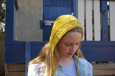 And just in case you thought bonnets were just for babies heres the tween rocking Florence with a whole different style. . This stunning mustard is @thepurlbox  Oyster Yarns Twizzle Stick in Wheldon. . . . . . . #florencebonnet #knitting #wovember #tikkiknits #knittersofig #aussiedyers #mustardyarn #knittingforkids