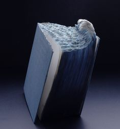 Ridiculously Epic Book Art - Ocean made of pages!