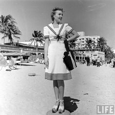 Girl Next Door Fashion. Take A Look At This Great Fashion Information! Unless you're really out of it, you are aware how big fashion is in society. 1940s Fashion, Big Fashion, Vintage Fashion, Womens Fashion, Fashion Ideas, Ladies Fashion, Beach Fashion, Fashion Inspiration, Fashion Trends