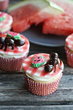 The perfect picnic cupcake! Ant Attack Cupcakes by notyourmommascookie.com