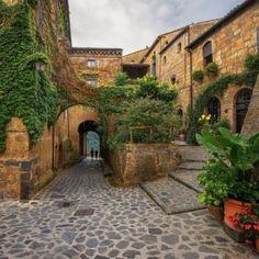Civita di Bagnoregio, Tuscany, Italy   Civita di Bagnoregio, The Dying City, Italy © Janmiko1   Dreamstime ...
