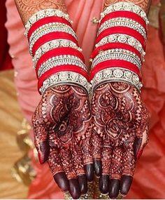 Wedding Chura, Indian Wedding Bride, Bling Wedding, Indian Bridal, Wedding Lehnga, Wedding Goals, Bridal Bangles, Bridal Jewelry Sets, Wedding Jewelry