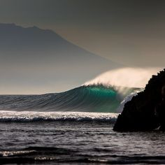 Shore break, surf, surfing, waves, big waves, barrel, ocean, sea, water, swell, surf culture, island, beach, salt life, #surfing #surf #waves