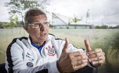 Benê Lima: Não temos um craque hoje no futebol brasileiro, di...