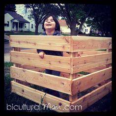 Build your own compost bin!  Super simple and easy family project!  #DIY #DigIn #ad  http://www.biculturalmom.com/2013/05/31/diy-compost-bin/