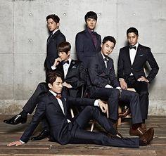 Shinhwa Roygen 2013 : Eric Mun, Lee Min-woo, Kim Dong-wan, Shin Hye-sung, Jun Jin and Andy Lee