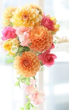 Beautiful combination of color. Floral Wedding, Wedding Bouquets, Wedding Flowers, Beautiful Flower Arrangements, Floral Arrangements, Flowers Nature, Beautiful Flowers, Pastel Bouquet, Flower Boutique