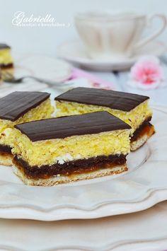 Gabriella kalandjai a konyhában :): Túrós zserbó Sweet Cookies, Cake Cookies, Zserbo Recipe, Hungarian Recipes, Sweet And Salty, Nutella, Sweet Recipes, Cheesecake, Deserts