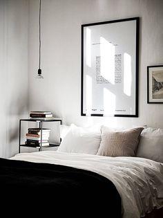Scandinavian bedroom via Stadshem | @juliaalena
