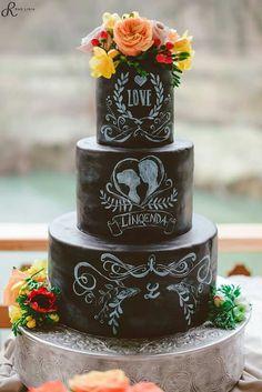 Bolo Chalkboard, Alternative Wedding Inspiration, Cake Decorating, Decorating Ideas, Rustic Wedding, Wedding Ideas, Bohemian Theme, Bolo Fake, Carnival Themes