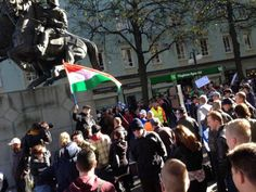 """Unkarin lippua Lahden mielenosoituksessa heiluttanut: """"Yksi tyyppi tuli rähjäämään että lippu helvettiin"""""""