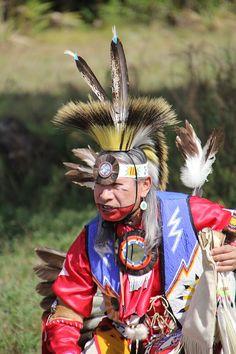 Indianer Kostüme gehören zu den absoluten Klassikern unter den Faschingskostümen und sind dabei bei Kindern genauso beliebt wie bei Erwachsenen. Nun muss es aber auch bei diesem Kostümklassiker nicht immer eine Variante aus dem Geschäft sein, denn Indianer Kostüme lassen sich durchaus auch selber machen. Wie dies recht schnell, einfach und mit nur wenigen Utensilien geht, erklärt die folgende Anleitung. Materialliste für ein Indianerkostüm Das Indianerkostüm besteht aus einem Kleid und dem…