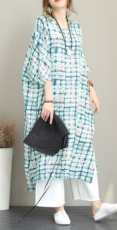 baggy-print-long-linen-dress-Loose-fitting-o-neck-linen-clothing-dresses-Fine-Batwing-Sleeve-side-open-gown Source by Trendy Clothes For Women, Trendy Dresses, Simple Dresses, Casual Dresses, Fashion Dresses, Summer Dresses, Fashion Styles, Summer Outfits, Blue Floral Maxi Dress