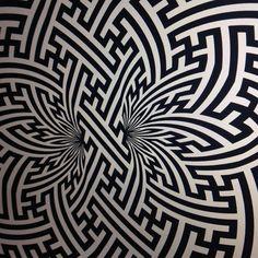 sayagata infinity loop ---------------------------------------- #mandala #pattern #patterndesign #opart #Surfacedesign #surfacepattern #sacredgeometry #surfacepatterndesign #goldenratio #islamicart #repeatpattern #textiles #dotwork #geometric #geometricpattern #islamicpattern #swastika #tattoo #geometry #floweroflife #sayagata #bristol #nevernotworking #iblackwork #mattmanson #bristolartist #dmt