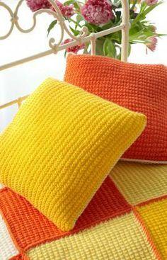 Sunshine Cushion Free Knitting Pattern from Red Heart Yarns